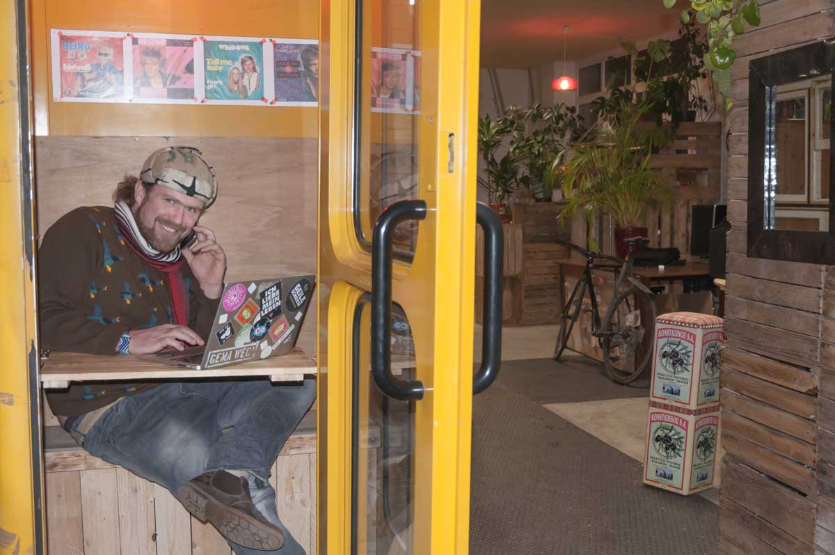 coworking space telefonzelle